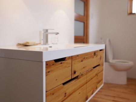 Salle de bain en bois recycl for Module salle de bain