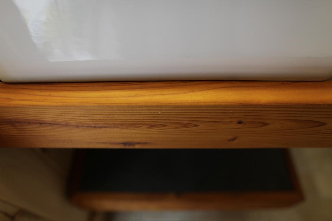 vanit. Black Bedroom Furniture Sets. Home Design Ideas